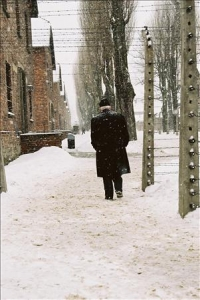 Werner Bab am 27.1.2005 in Auschwitz 3 (1 photo)