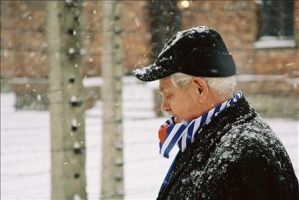 Werner Bab am 27.1.2005 in Auschwitz 6 (1 photo)
