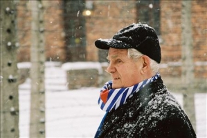 Werner Bab am 27.1.2005 in Auschwitz 7 (1 photo)